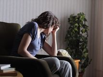 týraná žena, násilie, bitka, zbitá, smúrok, nešťastie, strach, plač,