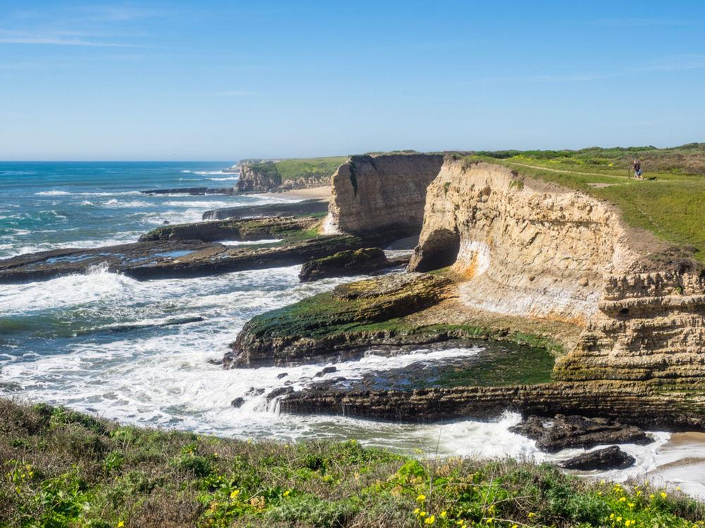 Pohľad na pobrežie pri Santa Cruz.