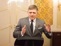 Fico obviňuje Matoviča: Prepral 122 miliónov korún cez bieleho koňa