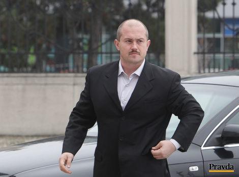 Dostane Kotleba na lopatky kremnické gymnázium?