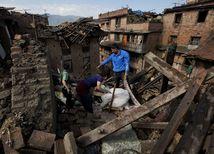 nepál, zemetrasenie, trosky