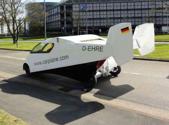 O pohon sa stará motor s výkonom 111 kW. Vo vzduchu s ním dokáže Carplane vyvinúť rýchlosť 222 km/h a na zemi 176 km/h.