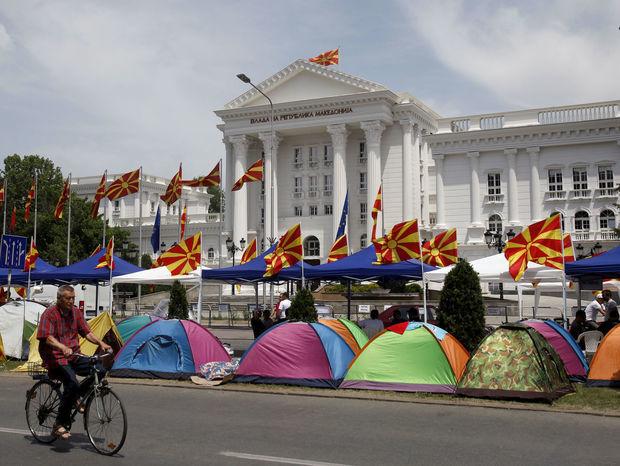 Skopje pokračujú protesty, premiér rokoval s opozíciou - Svet ...