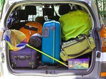 auto, taškym kufre, batožina, pobalení, zbalení, cesta, cestovanie, dovolenka, poistenie auta, PZP, rodinná dovolenka,