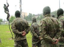 armáda, vojaci, testy, šplh