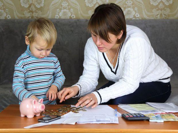 banky, účet, sporenie, peniaze, prasiatko, rodinné financie