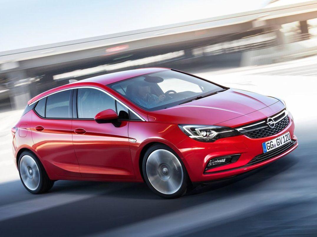 Nový Opel Astra presvedčil ľahkou konštrukciou, úspornými motormi, ale aj matricovými LED svetlami IntelliLux, ktoré sa v tejto triede objavujú vôbec po prvý raz.