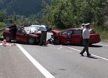 auto, nehoda, policajti, autonehoda