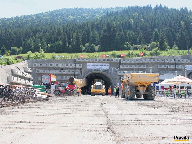 tunel Višňové, diaľnice