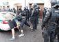 Po potýčkach pod Hradom, kde extrémisti napadli divákov cyklistických pretekov, polícia zatkla asi dvadsať radikálov.