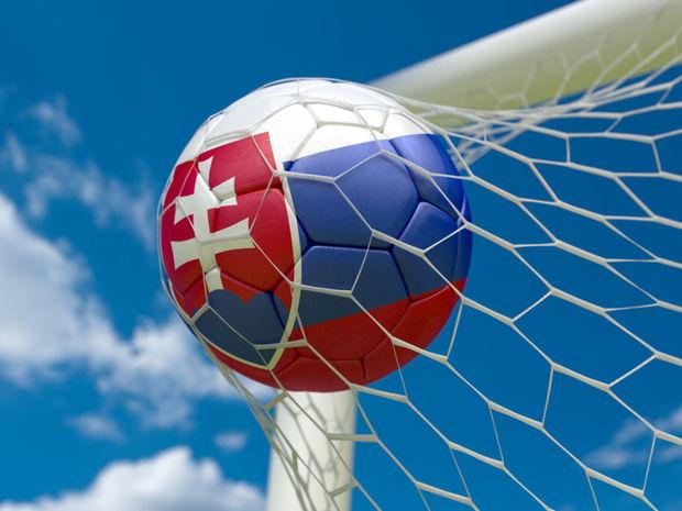 Slovensko, futbal, futbalová lopta, futbalová bránka