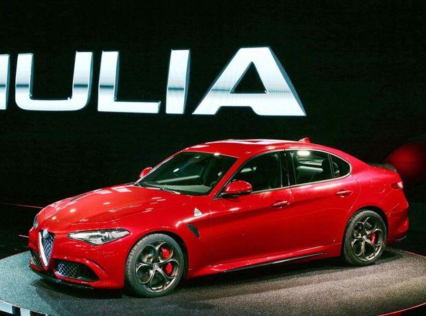Alfa Romeo Giulia príde najskôr v lete v topverzii Qadrifoglio Verde. Bežné Giulie sa však objavia až na budúci rok.