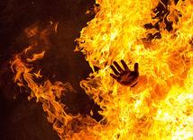 svätojánska noc, oheň, ruka