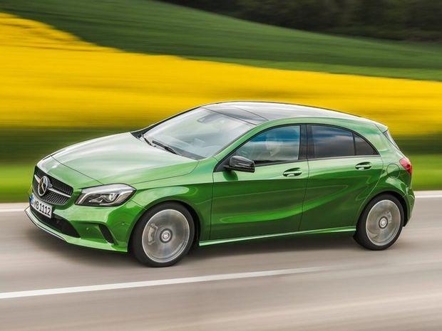 Mercedes-Benz sa dotiahol predajom 1 871 511 áut tesne za BMW. Skvelé výsledky zaznamenali jeho kompaktné modely A, B a GLA, ale tiež prudký rast SUV.
