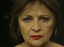 Hlavnú úlohu vo filme Eva Nová stvárnila Emília Vášáryová.