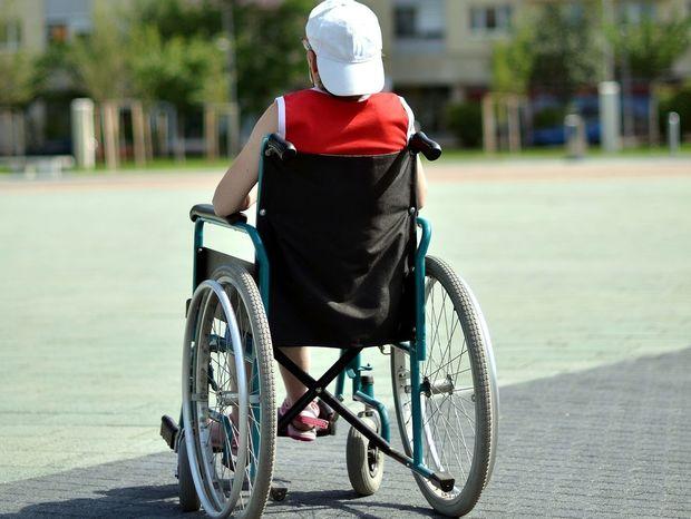 hendikep, invalidný vozík, vozíčkár,
