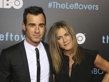 Herecký a manželský pár Justin Theroux a Jennifer Aniston.