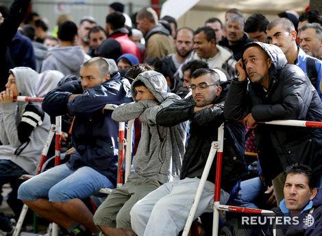 Do Nemecka môže prísť až 1,5 milióna utečencov