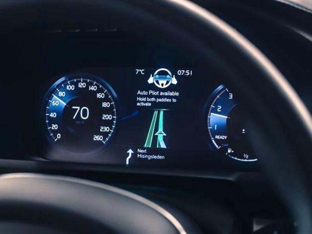 Volvo - autonómne riadenie IntelliSafe Auto Pilot