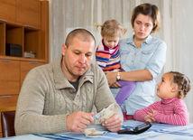 lakomstvo, peniaze, muž, žena, rodina
