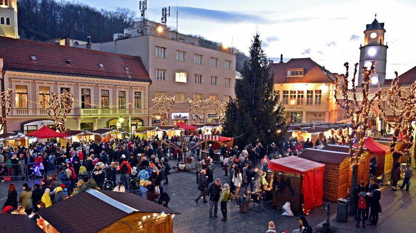 97025ef8c Vianočné stánky v Trenčíne zdraželi aj sedemnásobne - Regióny ...