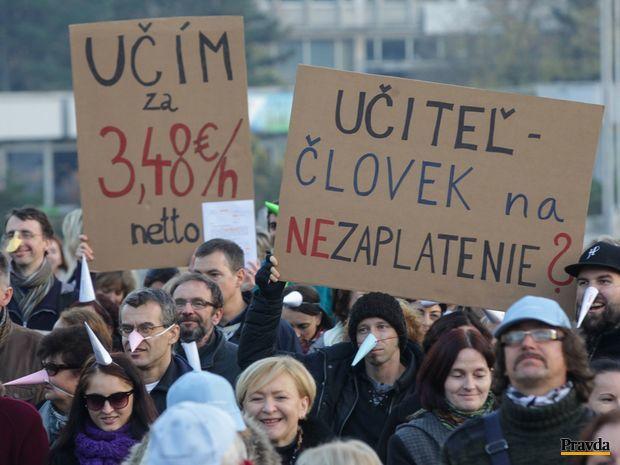 učitelia, pedagógovia, protest, školstvo