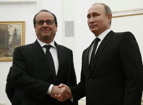 Putin a Hollande rokovali o veľkej koalícii proti IS, problémom je Asad