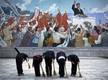 Severná Kórea, KĽDR, obraz, klaňanie sa, Pchjongjang