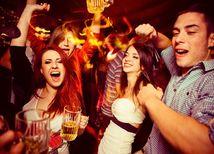 alkohol, opica, zábava, party, oslava, diskotéka, mladí ľudia, mládež, tanec