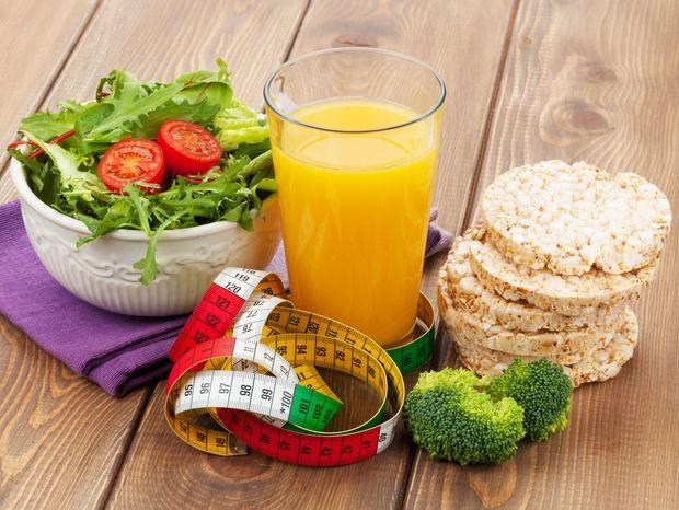 šalát, džús, brokolica, zdravá strava, jedlo, potraviny, výživa