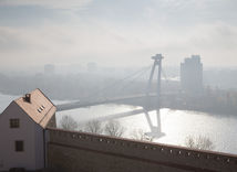 Bratislava, Most SNP, hmla, počasie