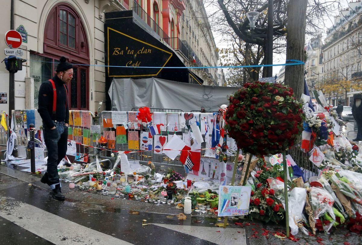V novembri teroristi udreli až na piatich miestach. Najviac ľudí - až 89 zahynulo v divadle Bataclan na koncerte skupiny Eagles of Death Metal.