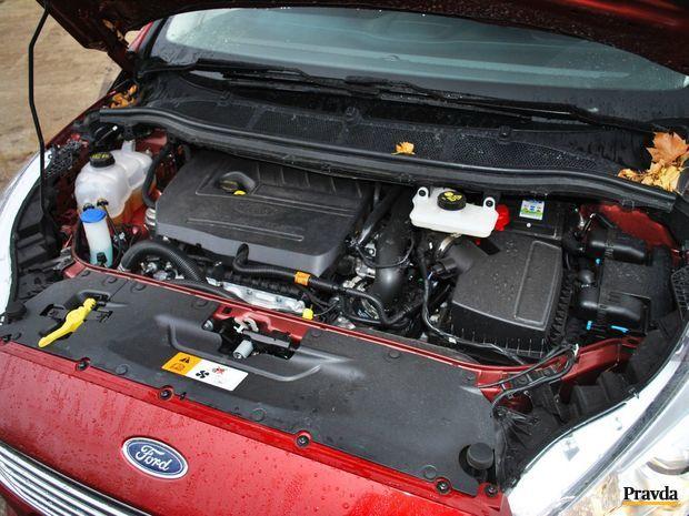 Je zaujímavé, že S-Max má v ponuke len jeden naftový motor, ktorý je síce nastavený na štyri verzie výkonu, no benzínové agregáty má dva.