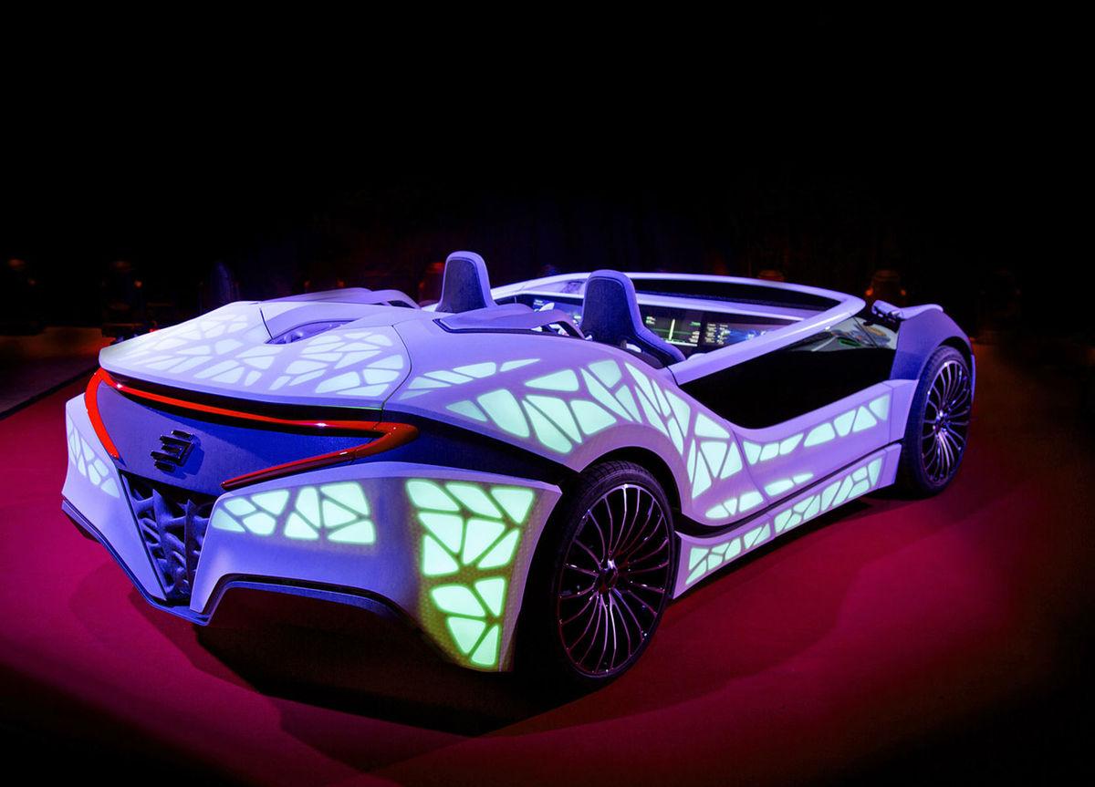 Novú technológiu haptických displejov predstaví Bosch v podobe futuristického roadsteru.