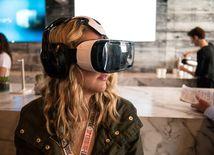 virtuálna realita, okuliare, žena 3D okuliare, Samsung