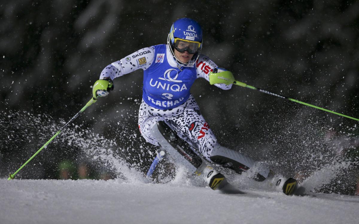 Slovenka Veronika Velez Zuzulová počas prvého kola v rakúskom Flachau.