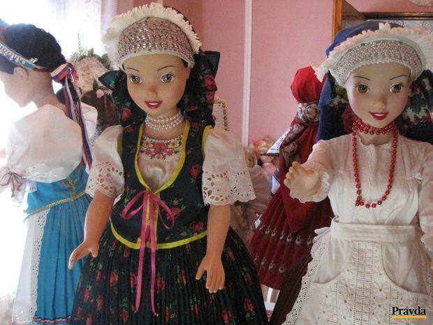 bábiky, kroje