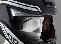 BMW Motorrad - head-up displej v prilbe