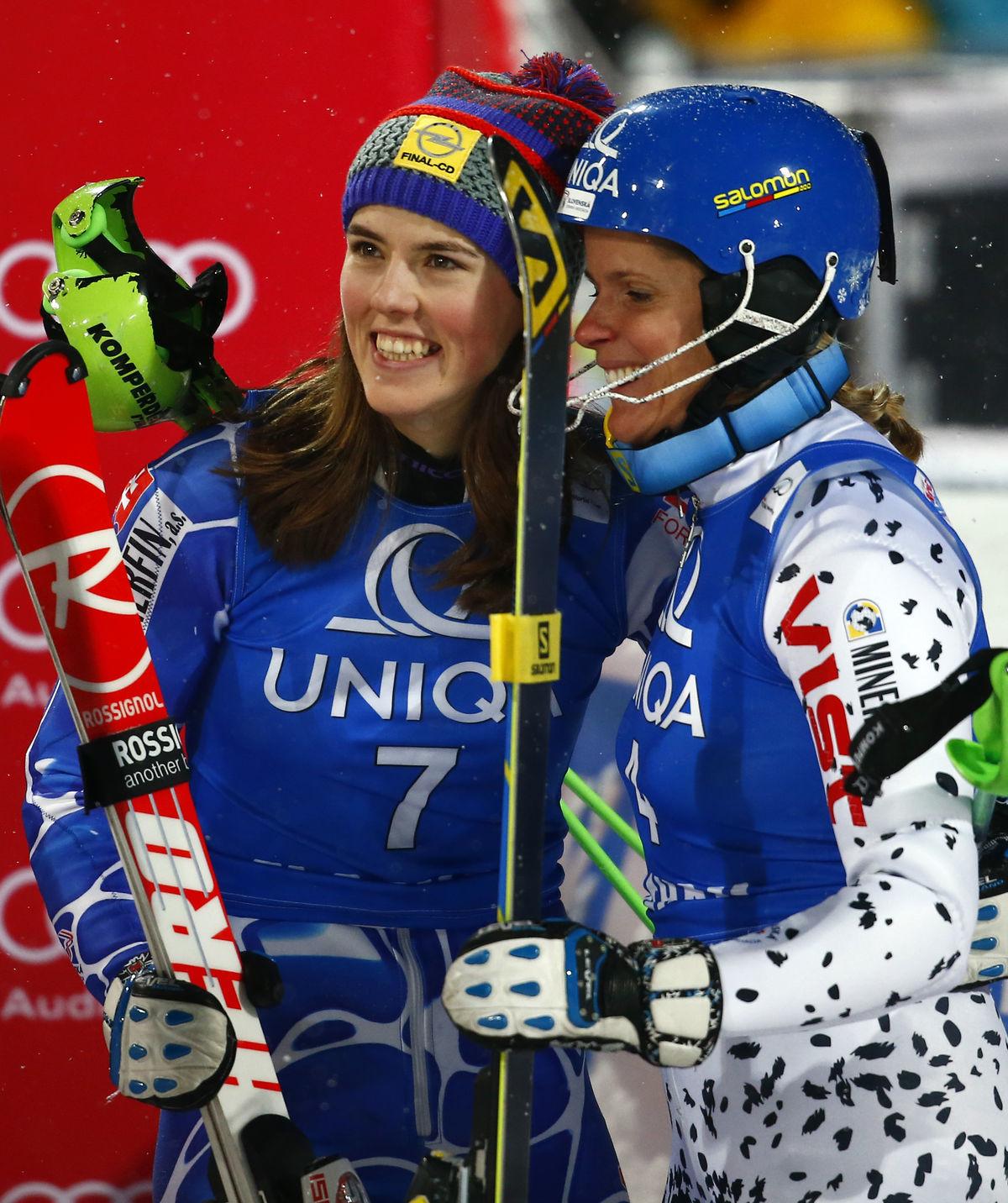 Skvelé slovenské slalomárky Veronika Velez-Zuzulová (vpravo) a Petra Vlhová.