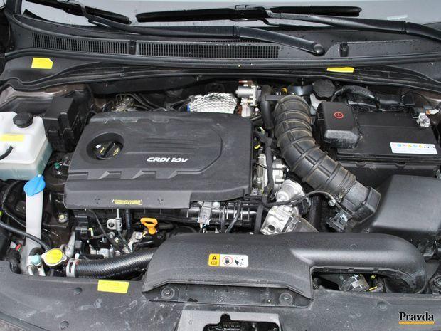 1,7 litrový naftový štvorvalec má dostatok sily na každodennú prevádzku, akcelerácie, predbiehania aj diaľnice.