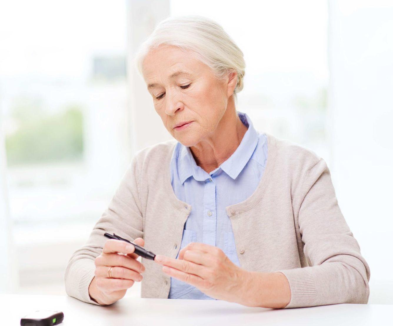 Poznáme viacero faktorov, ktoré zvyšujú riziko vzniku cukrovky. Medzi inými dedičnosť, vek a sedavý spôsob života.