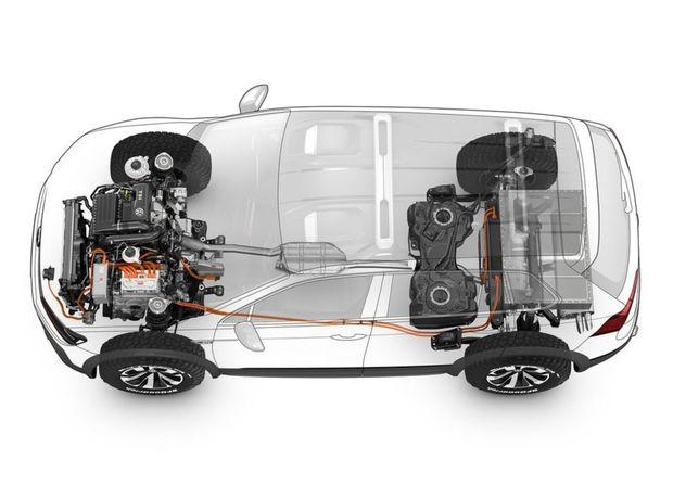 O pohon sa stará kombinácia benzínového motora 1,4 TSI a dva elektromotory – jeden v 6-stupňovej dvojspojke a druhý na zadnej náprave. Celkovo má Tiguan GTE až šesť jazdných režimov.