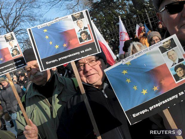 poľsko, demonštrácia, protest, varšava,