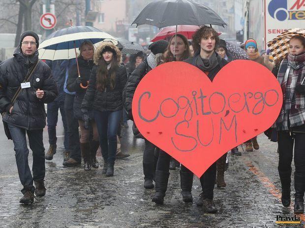 strajk ucitelov, protest ucitelov, demonstracia ucitelov,
