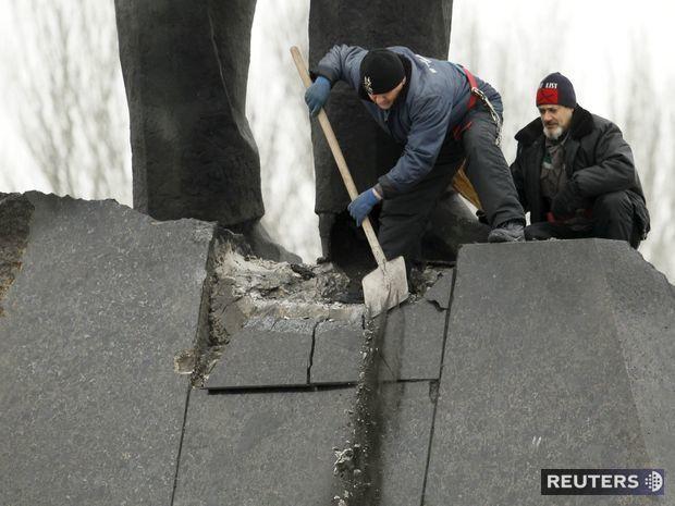 Ukrajina, Lenin, socha