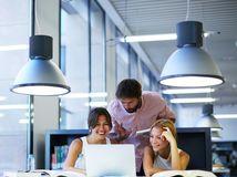 ľudia, práca, počítač