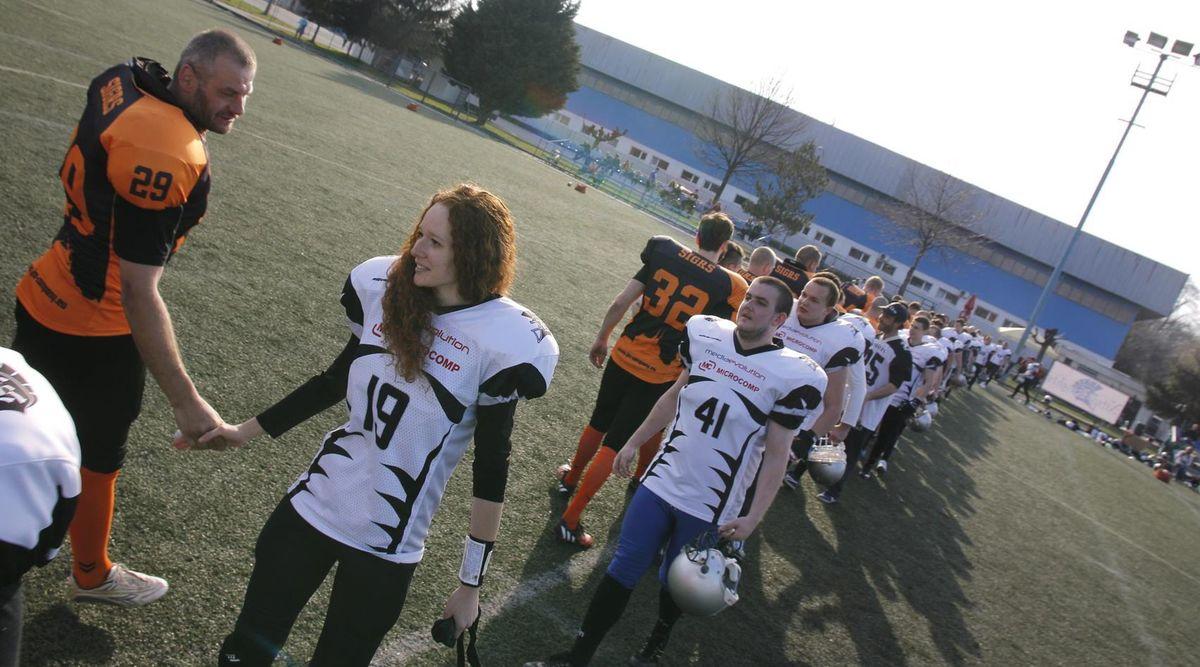 Viktória Spevárová študuje žurnalistiku a rada by sa presadila v americkom futbale.