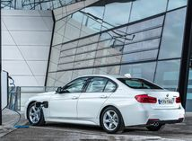 BMW 330e - 2016