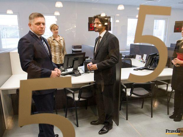 Rober Fico, Robert Kaliňák, Klientske centrum