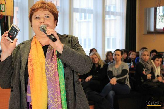 Monika Kavecká pustila sestrám v Žiline telefonát s odborárskou kolegyňou Gabrielou Novákovou z Prešova.